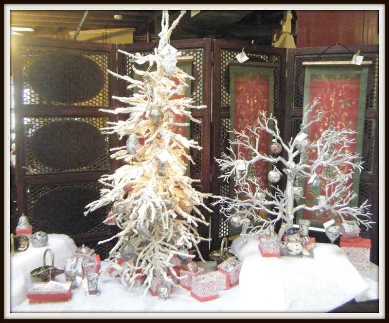 Flocked Tree Havana Holiday Open House 2010 115